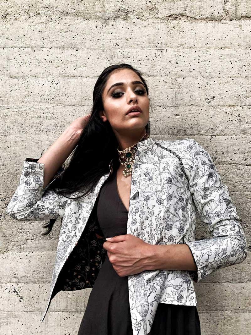India S Leading Fashion Designer Jj Valaya Launches E Commerce Site Arivaa Lifestyle